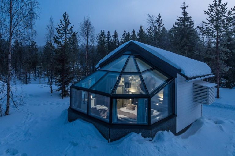 Santa's Igloos Arctic Circle 3*