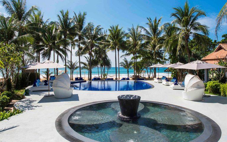 Akyra Beach Resort Phuket 5*