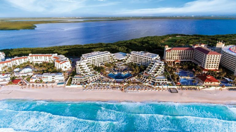 Now Emerald Cancun Resort 5*