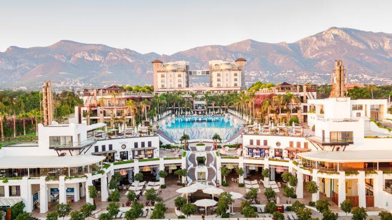 Cratos Premium Hotel Casino & SPA 5*