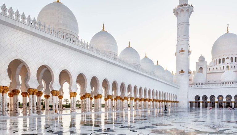 Tarife promo de la Qatar: bilet de avion Bucuresti - Abu Dhabi