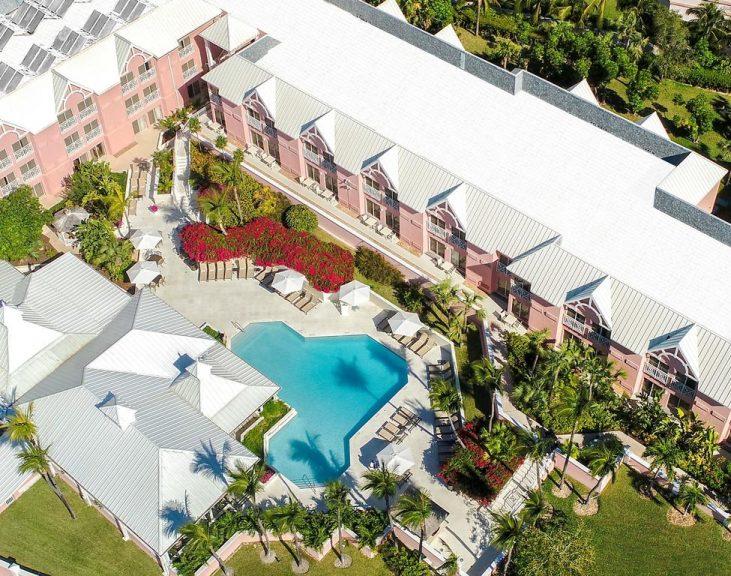 Comfort Suites Paradise Island 3*