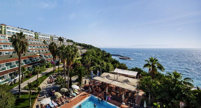 Pine Bay Holiday Kusadasi Resort 5*