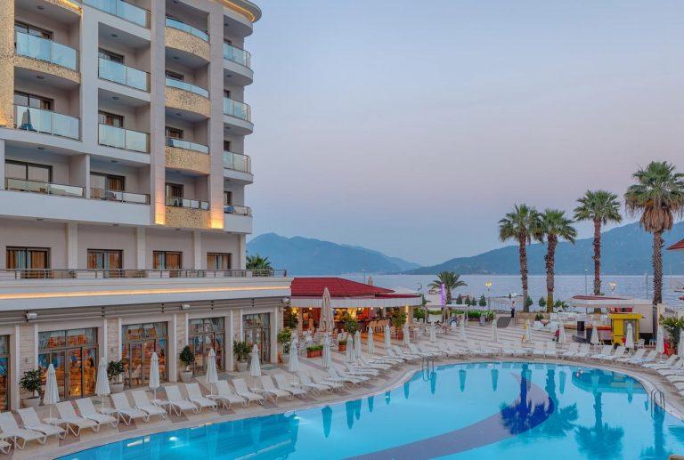 Golden Rock Beach Hotel 5*