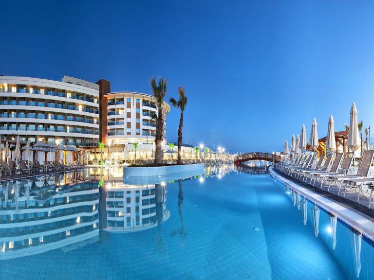Aquasis De Luxe Resort & SPA 5*