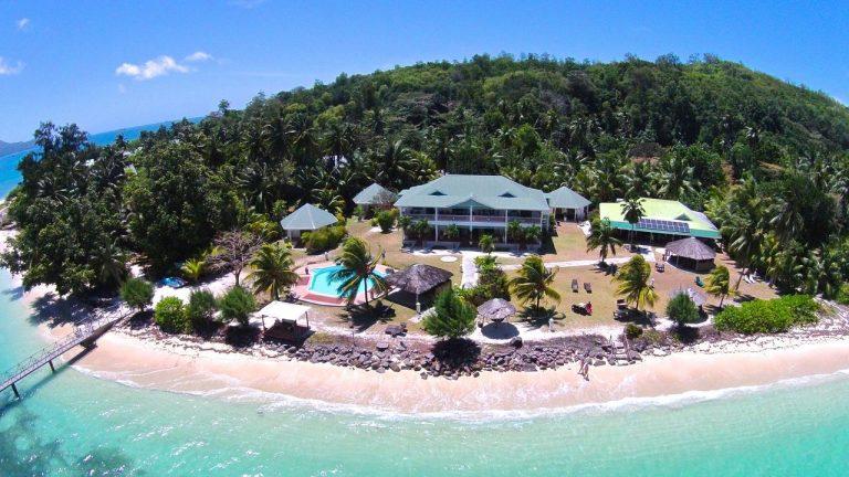 L'Habitation Cerf Island 3*