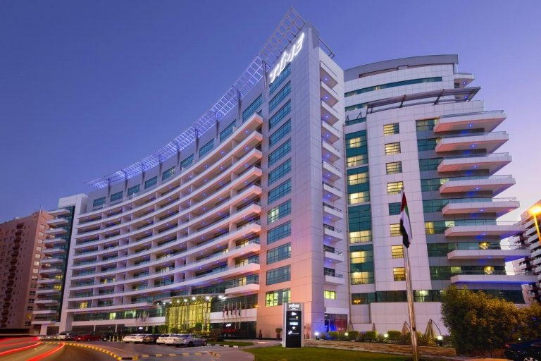 Revelion 2021 in Dubai - TIME Oak Hotel & Suites 4*