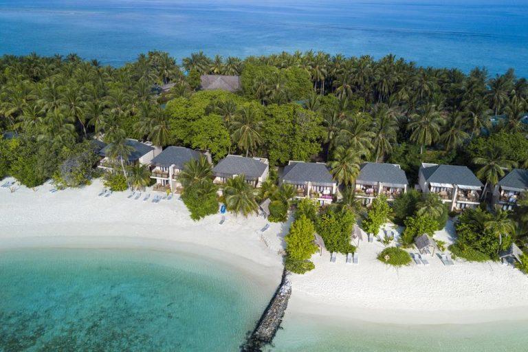 Summer Island Maldives Resort 4*