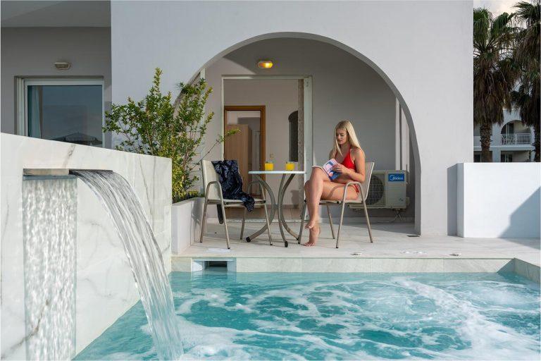 Paste 2021 in Creta (Heraklion) - Delfina Beach Hotel 4*