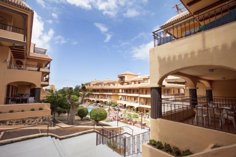 Coral Los Alisios ApartHotel 4*