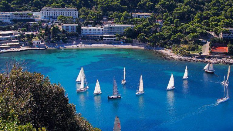 Adriatic Hotel 2*
