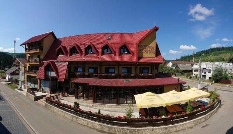 Sarbatori Pascale in Bucovina - Pensiunea Musatinii, Putna