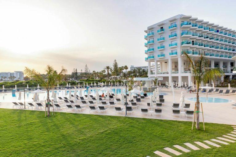 NissiBlu Beach Resort 5*